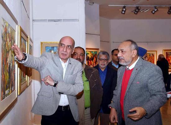 fa3dd7301 د/ خالد سرور رئيس قطاع الفنون التشكيلية يوم الخميس الموافق 28/2/2019 بقاعة  نهضة مصر بمركز محمود مختار الثقافي.